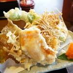 大黒屋 - 天ぷら(南瓜・えのき・もろこささげ・牛蒡・ぶどうの葉・大エビ(2013.725)