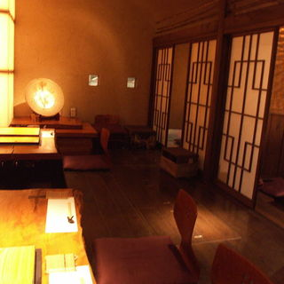 【完全個室&半個室】様々なシーンで使える落ち着いた空間