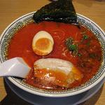 丸源ラーメン - 醤油とんこつラーメン・赤(税込682円)