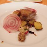 フレスコ - Jul, 2013 シャラン産鴨のコンフィ グランドペチカとキノコのロースト ビーツと