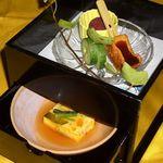 和風料理 花膳 - 料理写真:     ◆季節の盛り合わせ◆     毎月変わる献立は新鮮な素材にこだわり、旬のものを大切に吟味、工夫して、こだわりの器で提供します