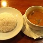 Monsoon Cafe - 本日のカレー(海老のレッドカレー)