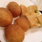 20350997 - 自家製パンとフォカッチャ