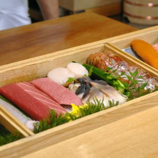 こだわりの魚は北海道はもちろん、良いネタを求め、九州からでも取り寄せる徹底ぶり