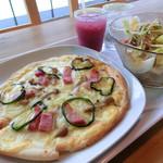 ディーカフェ - 気まぐれピザセット