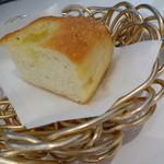 Osteria Giulia - パンのおかわり