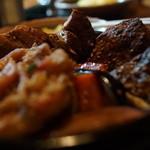 アジアンスープカリー べす - ラム、角煮、ハンバーグ