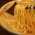 久留米 大砲ラーメン - 昔チャーシューメン 麺