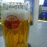 20368336 - オリオンビール。暑くてすでに一口いただいた後の写真ですけど。