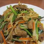 台湾料理明宴 - 料理写真:ニラレバー炒め