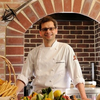 イタリア人シェフこだわりの生パスタ、新鮮魚介料理