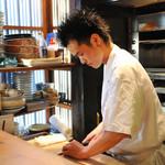 萬 燕楽 - 『丁寧な仕込みから生まれる京料理』 食材選びや下ごしらえから丁寧に。
