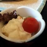 鱒の家 - ポテトサラダ。