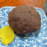 勝太郎食堂 - でかいおはぎ(ぼた餅)。