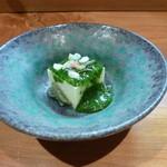 ほむら - 玉蜀黍豆腐に蓴菜、モロヘイヤのすり流しに松の実。