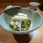 ほむら - 螺貝と蕗、お揚げさんと大根の炊き合せ。