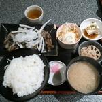 とりと - 宮崎地鶏のもも焼き定食¥850
