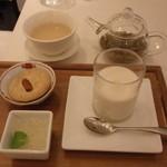20397391 - 香港豆腐花 洋梨と白木耳のデザートセット