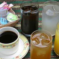 サームロット - ランチドリンク、コーヒーも入って10品ご用意。飲放です。