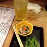 まずい魚 青柳 - 緑茶割りとお通し