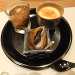 20402782 - 先付け(ウニとアワビの冷やし茶碗蒸し、茄子の酢の物、うみつぼ)