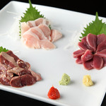 炭火串焼 名門 - 鳥刺3点盛!新鮮だからこそ出せる味。絶品です!
