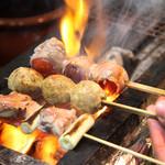 炭火串焼 名門 - 朝引きした熟成味楽鶏!野菜も国産です!