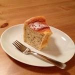 ハナハウス - 「今日のデザート」この日は紅茶のシフォンケーキ