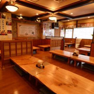 韓国風の店内でどうぞごゆっくりとお過ごしください。