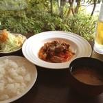 洋食レストランメルサ - 仔羊のモモ肉トマト煮込み