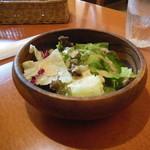 サニイサイド - ナポリタンにセットのサラダ