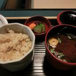 20432088 - 生姜の味付けご飯、赤だし味噌汁、お新香