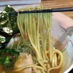 麺と心 7 - 次世代 たまり醤油の煮干白湯ラーメン 麺
