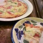 20439657 - マルゲリータのピザ