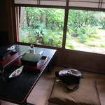 澗水 - 茶室で、食事