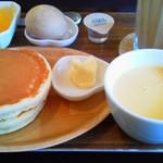 スイートコーンズ - モーニング+ホットケーキ  380円+220円