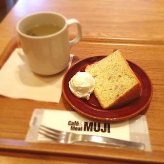 Cafe MUJI アトレヴィ巣鴨店 - バナナシフォンケーキ&中国茶のセット