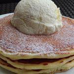 IVY PLACE - クラシック・バターミルク・パンケーキ