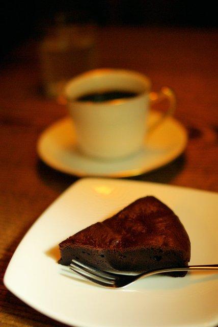 トムネコゴ - チョコケーキ
