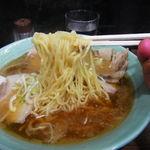 栄華楼 - 細麺です