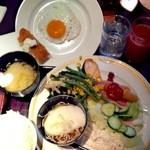 20455451 - 夫の朝食時のブッフェ盛り付け♪小さめな・・・とろろそばもありましたよ~(#^.^#)♪