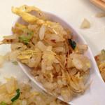 中華食堂 紅龍 - 本日の日替りランチ 680円 のフカヒレチャーハン