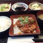 馳走家 とり壱 - 日替り定食(豚肉と茄子のトマト煮)