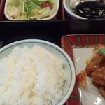 馳走家 とり壱 - 日替り定食(ライス中、サラダ、コーヒーゼリー)