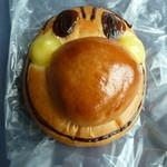 松月堂 - クリームパン
