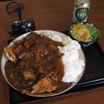 大衆食堂 半田屋 - 1キロチキンカツカレー