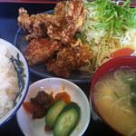 金太郎 - からあげ定食 940円