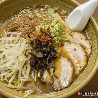 かっちゃん - 料理写真:完熟味噌チャーシューめん(930円)