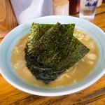 岡本屋 - シンプルなとんこつ醤油ラーメン