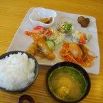 HANA - 料理写真:日替わり定食